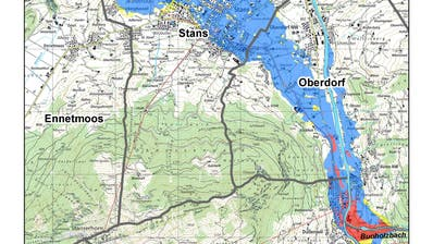 Die Grafik veranschaulicht, wie bei einem Hochwasser eine Überflutung des Stanser Talbodens bis nach Stansstad droht. In der blauen Zone ist Bauen nur mit Auflagen möglich, in den roten Flächen gilt ein Bauverbot. Für Liegenschaften im gelben Gebiet werden Objektschutzmassnahmen empfohlen. (Bild: PD)