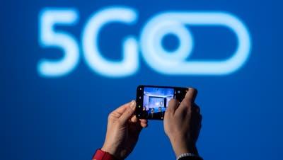 Die neue Mobilfunkgeneration 5G soll die Schweiz bald erobern. (KEYSTONE/Ennio Leanza)