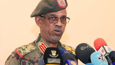 Chef des Militärrats im Sudan verkündet überraschend Rücktritt