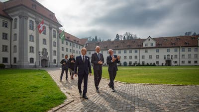 Bundesrat Alain Berset kommt in St.Gallen an. (Bild: Benjamin Manser)