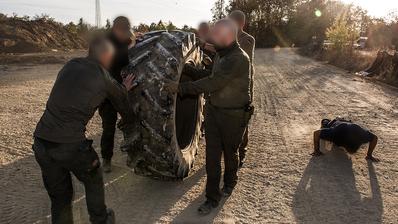 Uniter: ein Netzwerk von Elite-Soldaten, Polizisten, Rettungskräften und Sicherheitsleuten, die auch abseits des Arbeitsalltags weitertraineren. Die Frage ist: wofür? Bilder: Uniter