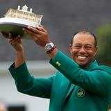 Zum fünften Mal gewann Tiger Woods am Sonntag das Masters und somit das grüne Jacket. (Bild: Epa / Tannen Maury)
