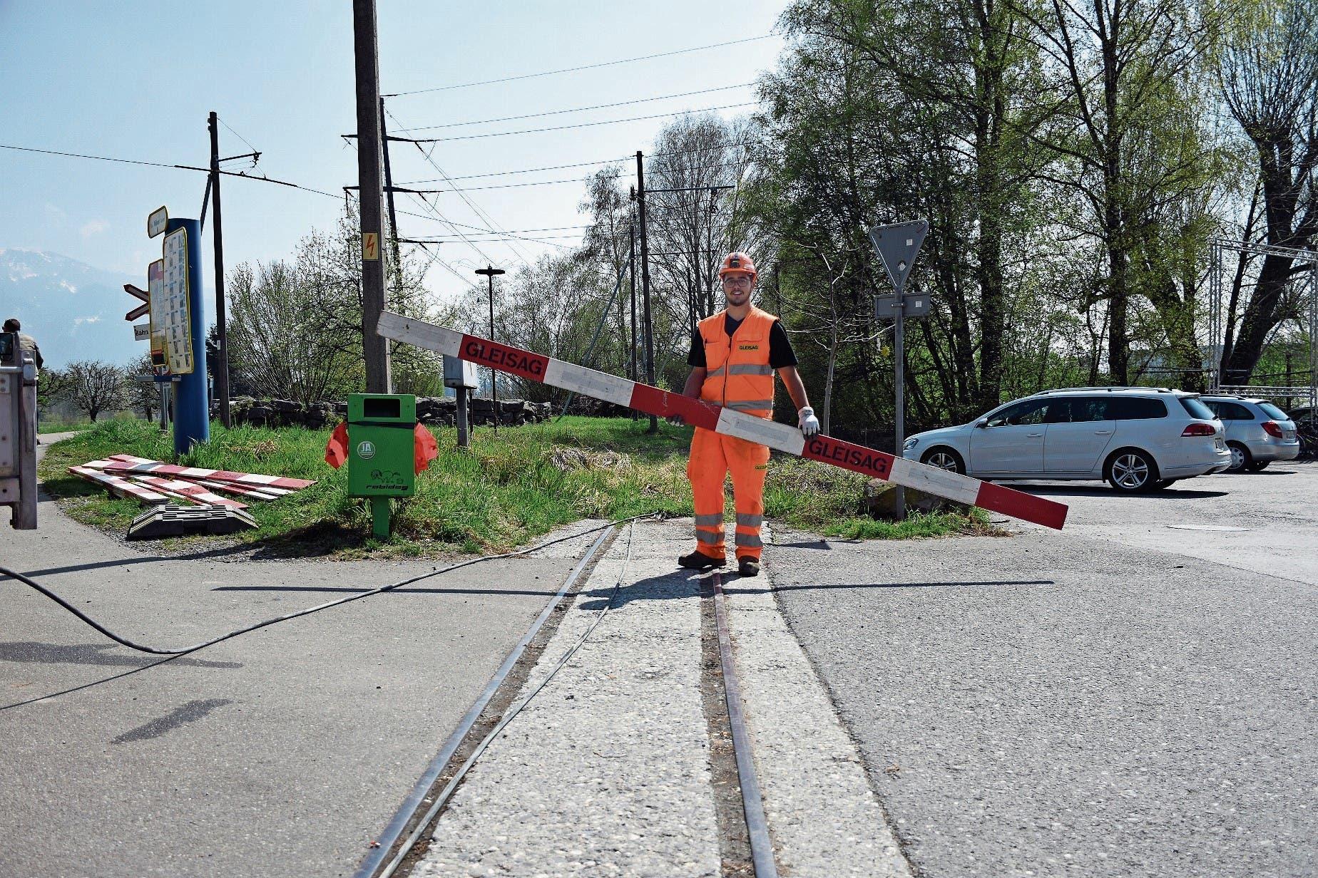 Wegen der Arbeiten am Gleis ist heute Dienstag bei der Wiesenrainbrücke mit Verkehrsbehinderungen zu rechnen. (Bild: Kurt Latzer)