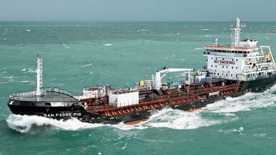 Piraten greifen Bundestanker an: Ein Wachmann verletzt