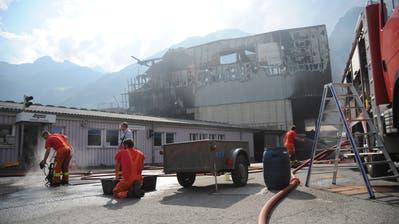 Die Werk- und Sporthalle Baldini war bis auf die Grundmauern niedergebrannt. (Bild: Urs Hanhart, Altdorf, 5.September 2018)