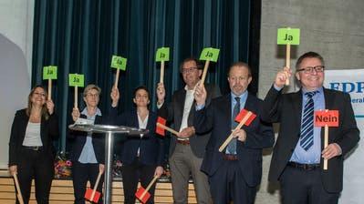 Die Luzerner FDP hat drei Frauen und drei Männer für den Nationalrat nominiert: Fabienne Brauchli (v.l.), Helen Schurtenberger, Anne-Sophie Morand, Peter Schilliger, Albert Vitali und Martin Huber. (Bild: Dominik Wunderli, Rickenbach, 17. April 2019)
