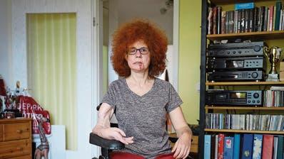 Beate Flanz in ihrer Wohnung in Berlin. (Gregor Zielke, 17. April 2019)