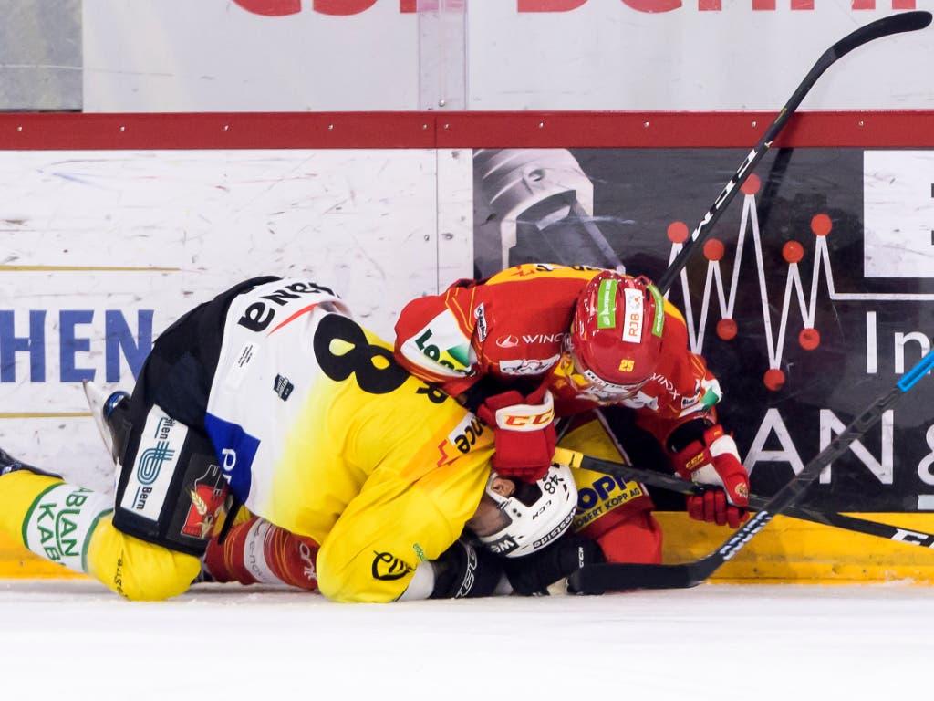 Vermag der EHC Biel in den Playoff-Halbfinals den souveränen Qualifikationssieger Bern in die Knie zu zwingen? (Bild: KEYSTONE/ANTHONY ANEX)