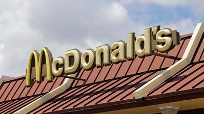 Der Mann hatte 2013 die McDonald's-Filiale in Wil überfallen. (Symbolbild: Keystone)