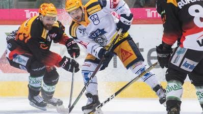 Auch Zugs Topscorer Lino Martschini konnte die Niederlage gegen den SC Bern nicht verhindern. (Bild: PPR/Marcel Bieri)