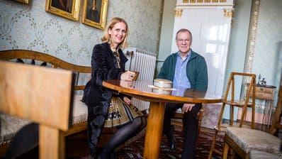 Das Museum Vinorama in Ermatingen steht unter neuer Leitung. Stiftungspräsidentin Nathalie Leu und Kurator Christoph Ullmann stellen ein neuesKulturprogramm auf die Beine.(Bild: Andrea Stalder)