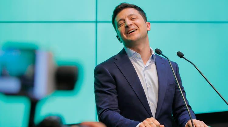 Der neugewählte ukrainische Staatspräsident Wolodymyr Selenskijin seinem Hauptquartier in Kiew am Wahlsonntag. (Bild: Vadim Ghirda/AP, 21. April 2019)