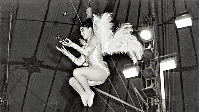 Die Paradenummer der Frau mit den «Haaren aus Stahl».(Foto: Archiv Josefina Tanasa)