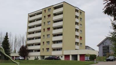 Auf dem Dach dieser Liegenschaft will die Swisscom eine Antenne installieren. (Bild: Joelle Ehrle)