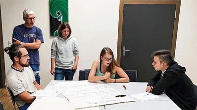 Insgesamt entwickeln 23 Lernende der Griesser AG sechs Projekte, die unter anderem zur Reduktion von CO2 beitragen sollen. (Bild: PD)