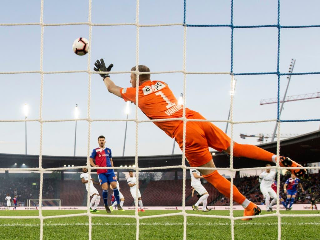 FCZ-Torhüter Andris Vanins hatte beim 1:0 von Noah Okafor in der 5. Minute das Nachsehen (Bild: KEYSTONE/ENNIO LEANZA)