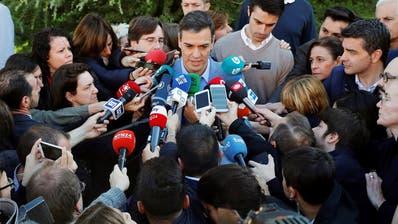 Regierungschef PedroSánchez nach seiner Stimmabgabe gestern in Madrid. (Bild: Emilio Naranjo/EPA, Madrid, 28. April 2019)