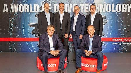 Die neue lokale Geschäftsleitung von MaxonSchweiz: (hintere Reihe v.l.): Roger Lagodny, Jürg Schneiter, Daniel von Wyl, Stefan Preier; (vordere Reihe v.l.): Patrik Gnos, Dominik Stockmann. (Bild: Maxon)