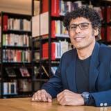 Der Schriftsteller Usama Al Shahmaniist einer der fünf Geförderten. (Foto: Reto Martin)