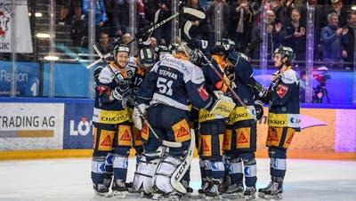 Zuger Jubel nach dem fünften Spiel und geschaffter Final-Qualifikation gegen Lausanne. (Bild: Daniela Frutiger/Freshfocus, Zug, 4. April 2019)