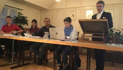 Patrick Brändle (rechts) führte kompetent durch die Versammlung. (Bild: Urs Nobel)