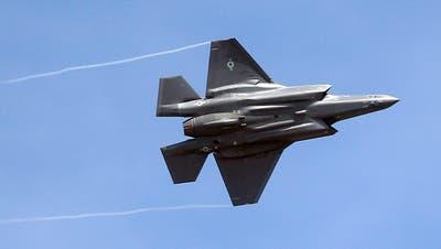 Kampfflugzeuge werden in der Schweiz getestet