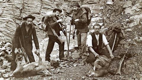 Nidwaldner Wilderergeschichten wie jene um Adolf Scheuber (rechts) sind offiziell schweizerisches Kulturgut. (Bild: Staatsarchiv Nidwalden, unbekannter Aufnahmeort, Ende 19. Jahrhundert)