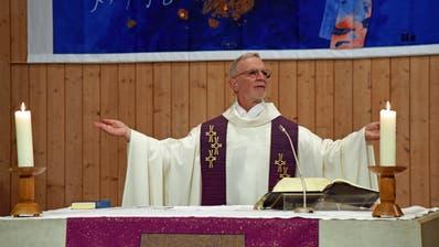 Feierliche Nachprimiz in der Pfarrkirche Kägiswil von Andreas Pfister, der am Samstag in der Schwyzer St. Martins-Kirche zusammen mit  acht andern Diakonen zum Priester geweiht worden war. (Bild Robert Hess, Kägiswil, 7. April 2019)