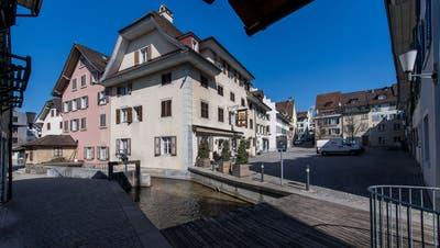 Die Stadt Sursee spannt mit EWL Luzern und der Korporation Sursee zusammen. Im Bild: Der Mühlenplatz. (Bild:Eveline Beerkircher, 20. März 2019)