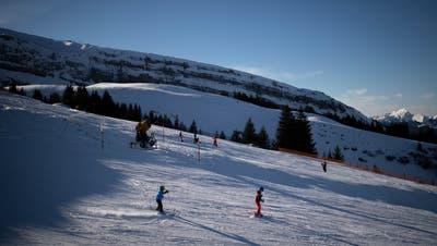Skifahrer unterwegs auf der Gamsalp im Skigebiet Wildhaus im Dezember 2018. (Bild: Benjamin Manser)