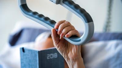 Zuhause sterben: Vielen Schwerkranken könnte dies ein mobiler Palliativdienst ermöglichen. (Symbolbild: Jens Büttner/Keystone, 19. März 2018)
