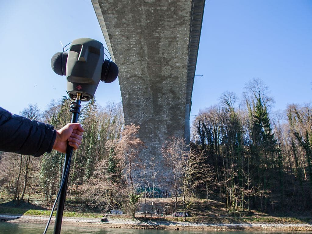 Auch die Stadt antwortet, wenn man ihr ruft. Echo-Hotspot in Bern ist die Lorrainebrücke. (Bild: Alpines Museum/Elias Zaugg)