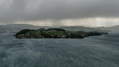 Ein (zu) seltener Anblick: Die Horwer Halbinsel bei Regen. (Bild: Roger Grütter, Fürigen, 13. Mai 2014)