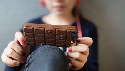 «Dargebotene Hand» hilft bei digitalen Eltern-Problemen