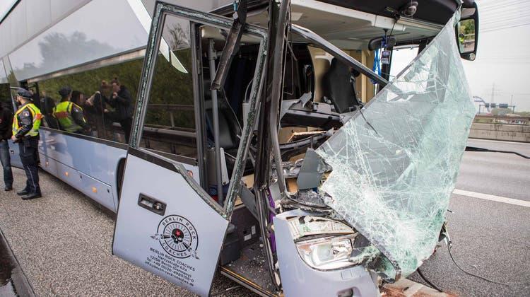 DJ Bobo befand sich nicht im verunfallten Bus. (Bild: Blaulicht-News.de)