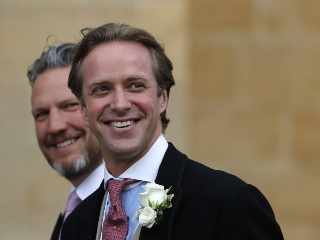 Der Bräutigam, Thomas Kingston (rechts), auf dem Weg zur Hochzeitszeremonie. (Bild: Keystone/AP/FRANK AUGSTEIN)