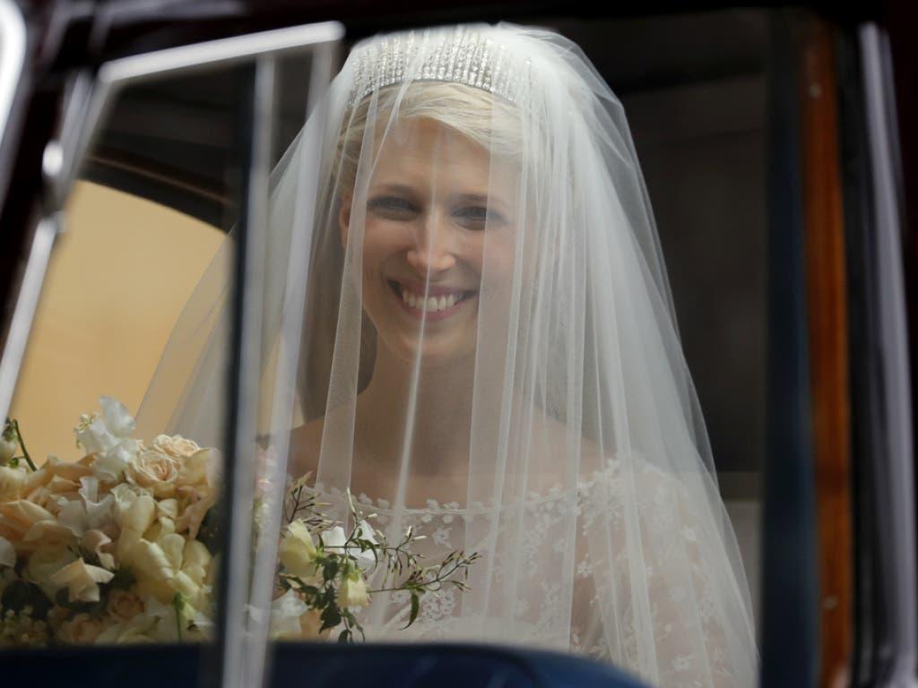 Die strahlende Braut Lady Gabriella Windsor bei ihrer Ankunft zur Hochzeit in Windsor Castle. (Bild: Keystone/AP POOL/FRANK AUGSTEIN)