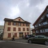 Seit 1885 trägt das markante Haus im Mörschwiler Dorfzentrum den Namen Freihof.Bild: Michel Canonica