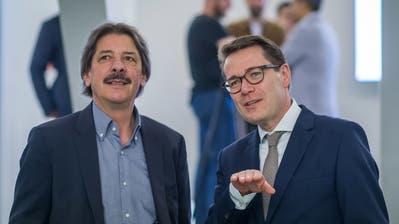 Das neue St.Galler Ständerats-Gespann: Paul Rechsteiner (SP, links) und Benedikt Würth (CVP). (Bild: Michel Canonica)
