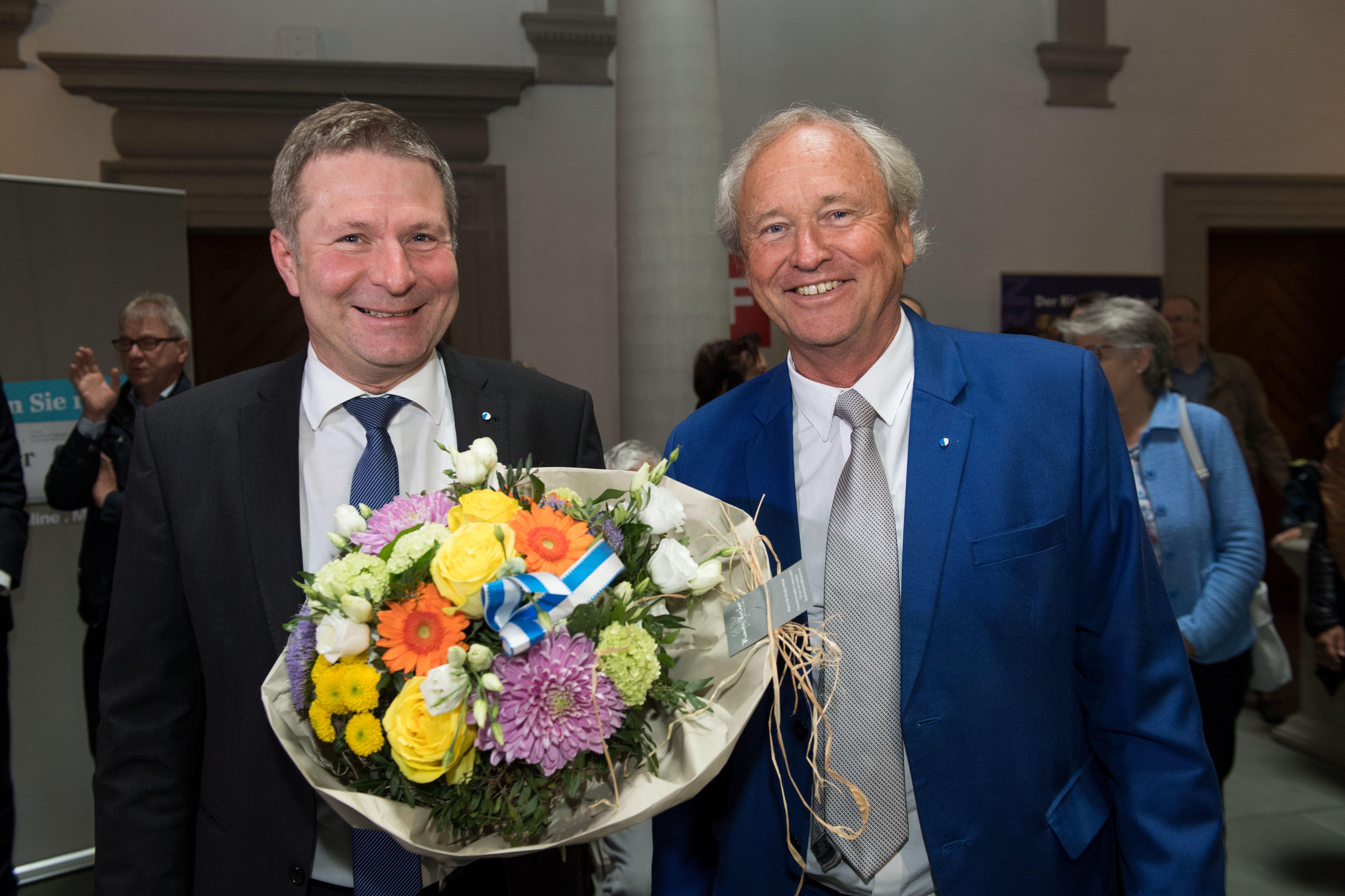 Die gewählten Regierungsräte Paul Winiker (rechts, SVP) und Marcel Schwerzmann ( parteilos). (Bild: Eveline Beerkircher, Luzern, 19. Mai 2019)
