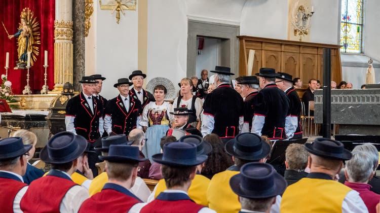 Der Jodlerklub Edelweiss beim Jubiläumskonzert in der Pfarrkirche Emmen. (Bild: Nadia Schärli, 18. Mai 2019)