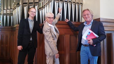 Organist Simon Menges, Kirchenvorsteherin Ursula Gentsch und Kirchenpräsident Robert Schwarzer. (Bild: Natascha Arsic)