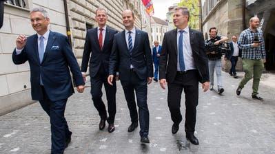 Die gewählten Regierungsräte Marcel Schwerzmann (links) und Paul Winiker. (Bild: Eveline Beerkircher)