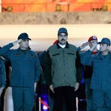 Venezuelas Staatschef Maduro schwört Soldaten auf sich ein