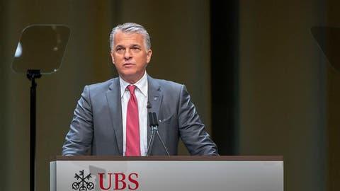 Schlechte Nachricht für Sergio Ermotti: Die Aktionäre verweigern der Konzernspitze die Entlastung. (Bild: Georgios Kefalas/Keystone, Basel, 2. Mai 2019)