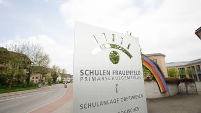 Die Frauenfelder Primarschulbehörde zählt 13 Mitglieder. Im Bild: Eingang zur Schulanlage Oberwiesen. (Bild: Donato Caspari, 3. Mai 2013)