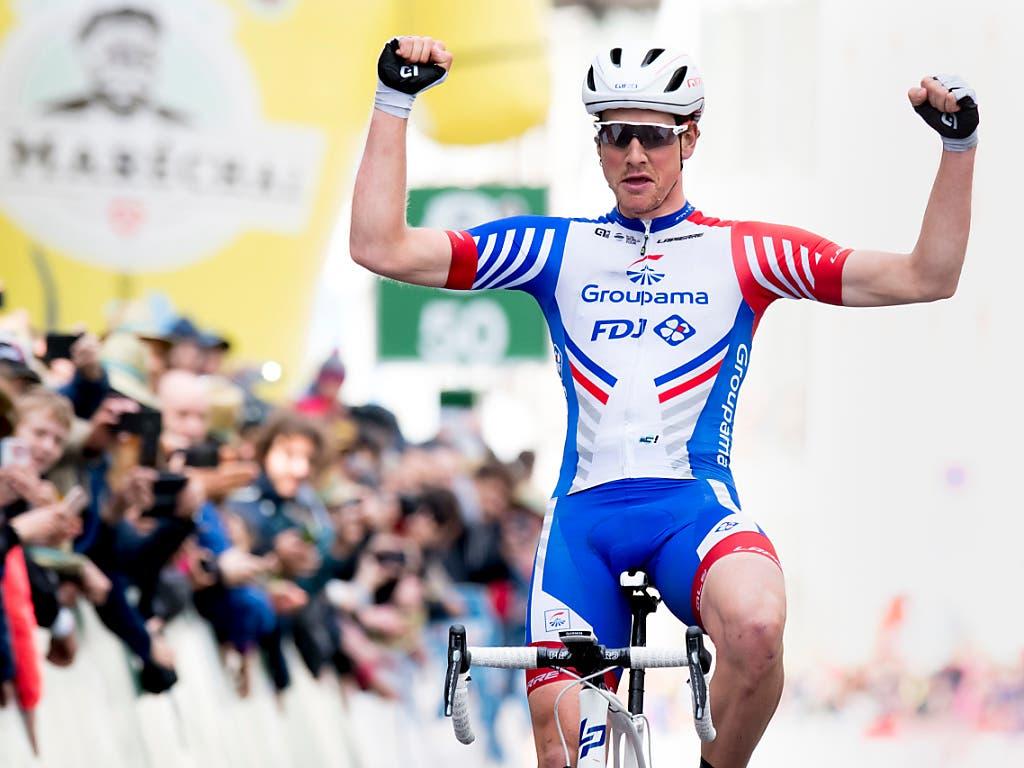 Freut sich in Morges über seinen Solosieg in der 2. Etappe der Tour de Romandie: Der Thurgauer Stefan Küng vom französischen Team Groupama-FDJ (Bild: KEYSTONE/LAURENT GILLIERON)