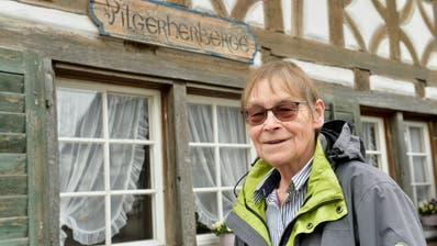 Brighit Stahel vor der Pilgerherberge in Märstetten. (Bild: Donato Caspari)