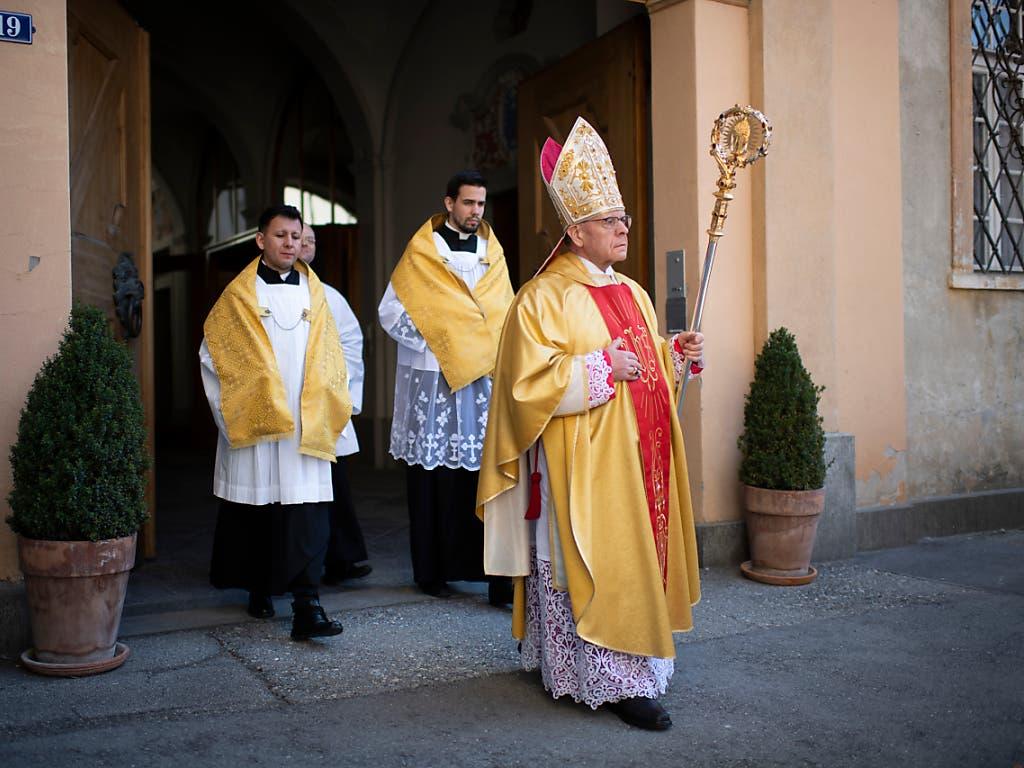 Bischof Vitus Huonder stand fast 12 Jahre an der Spitze des Churer Bistums. (Bild: KEYSTONE/GIAN EHRENZELLER)