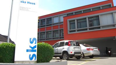 Der Hauptsitz der Sparkasse Schwyz AG in Schwyz. (Bild: PD)